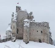Zamek Mirów zimą