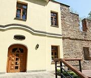 """Centrum Kultury i Sztuki """"Dwór Kossaków"""""""