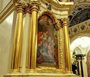 Nawa północna - ołtarz Matki Boskiej Bolesnej, ołtarz Ofiarowania MB