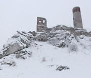 Zamek Olsztyn zimą